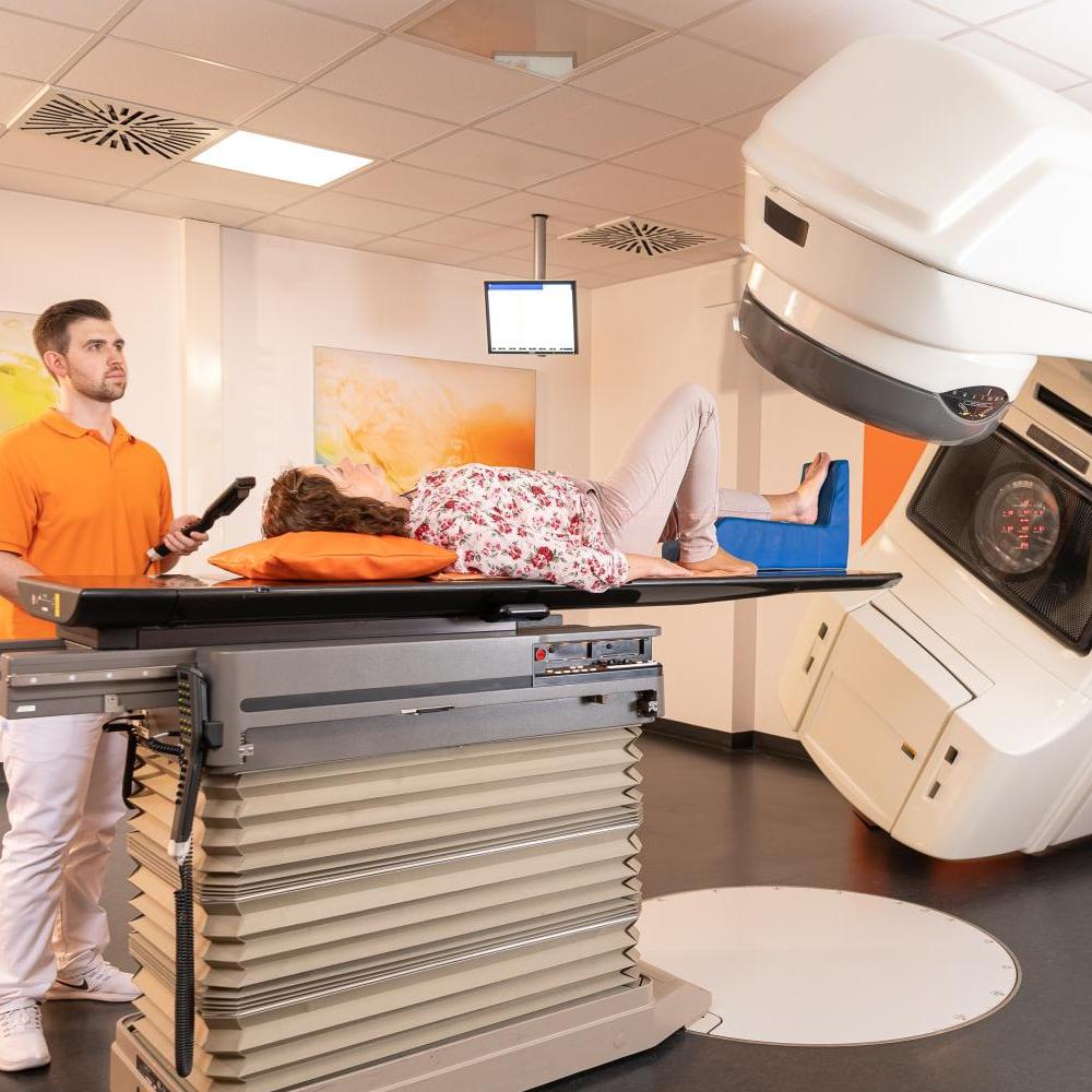 Linearbeschleuniger Strahlentherapie Tauber-Franken